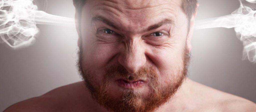 homem com raiva